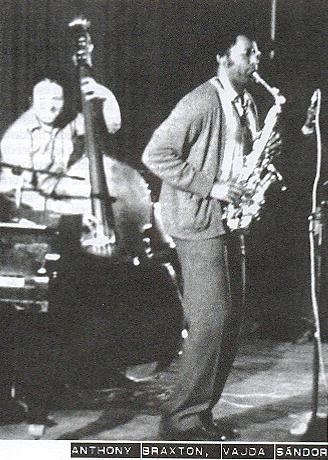 vajda-sandor-es-anthony-braxton-az-elso-gyori-nemzetkozi-jazznapon-1982.jpg